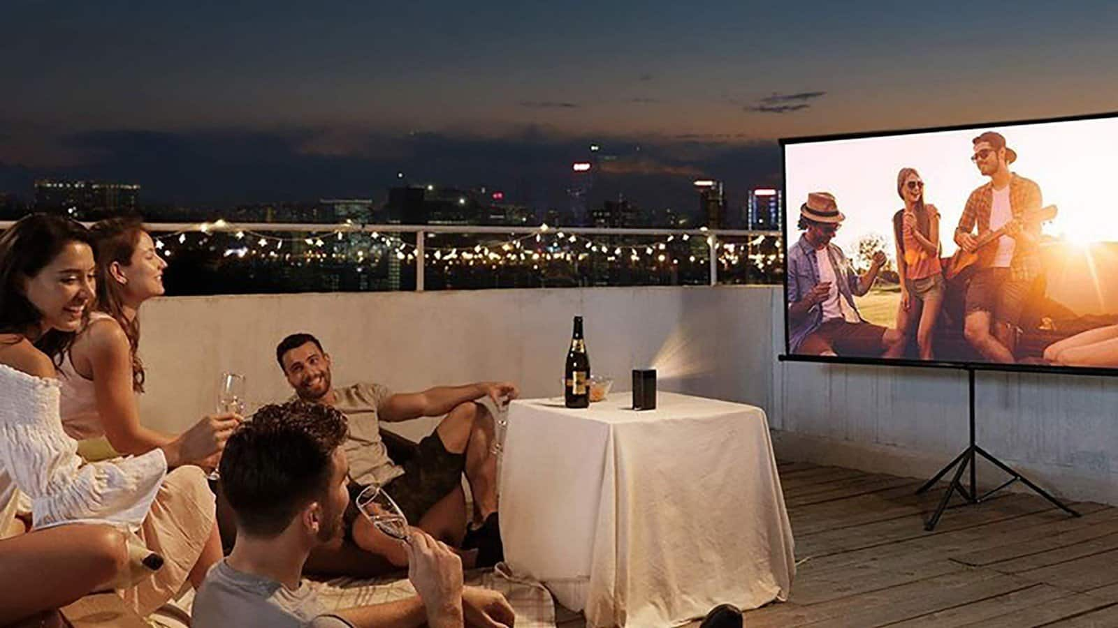 High-Quality Best Projector Screens UK